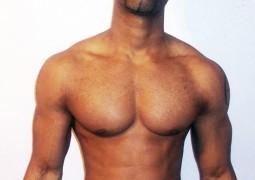 homem-musculoso