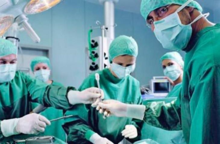 medicos-operando
