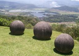 misteriosas-esferas-esculpidas-em-pedra-por-antigos-habitantes-da-região-da-Costa-Rica_03