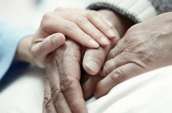 mulher-alcoolatra-decide-fazer-eutanasia
