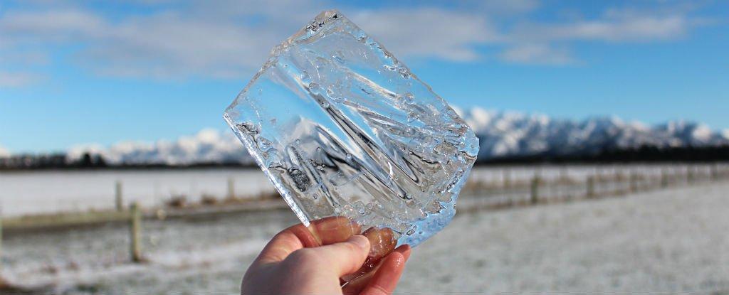 agua-quente-pode-congelar-mais-rapido