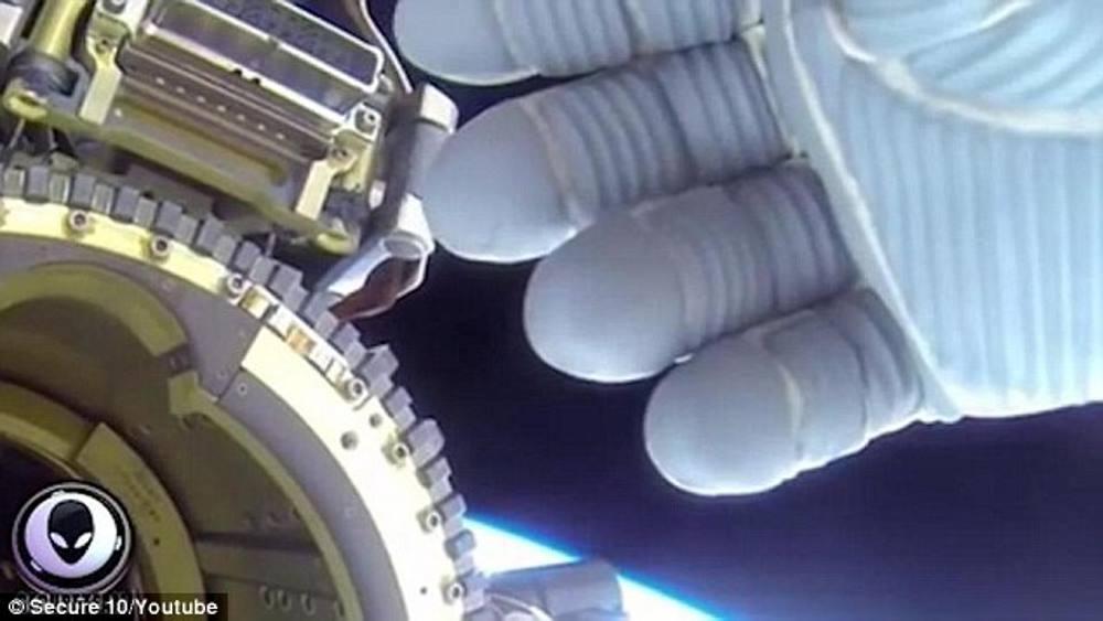 astronauta-encobre-ovni_01
