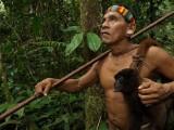 tribo-amazonica-caçadora-de-macacos_01