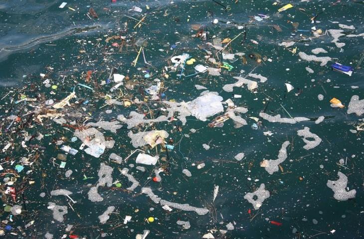 poluiçao-mares-ocenos_01
