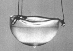 Liquid_helium_1024