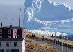 huge-iceberg-alley-canadian-coast-10-750x430