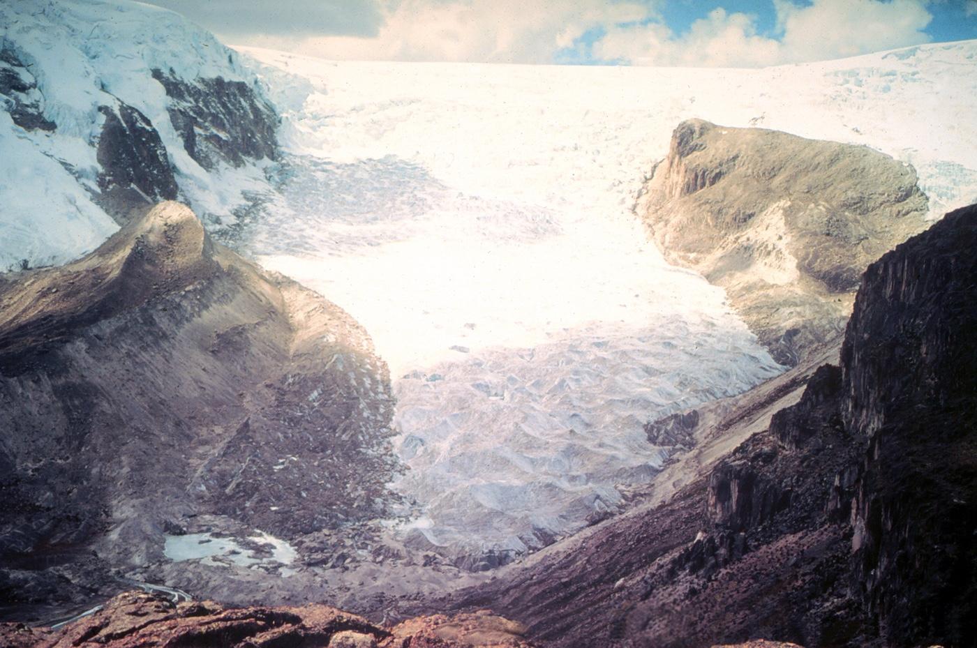qori-kalis-glacier-before