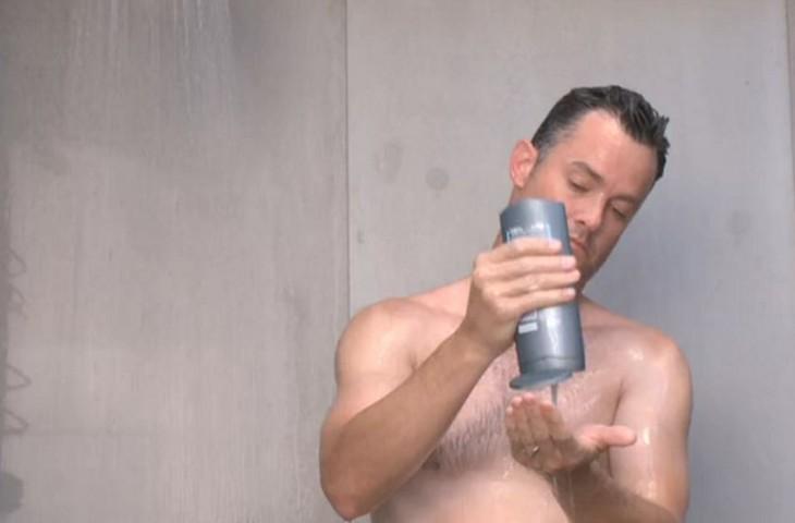 homem-banho-01