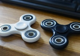 fidget-spinners