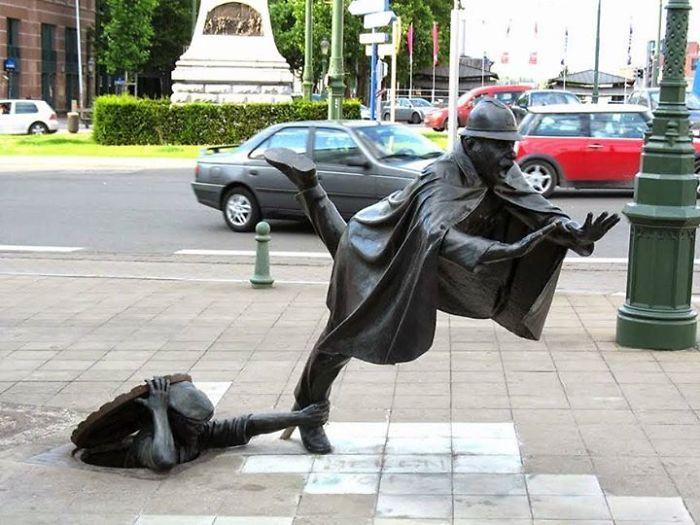 estatuas-lei-da-gravidade_15