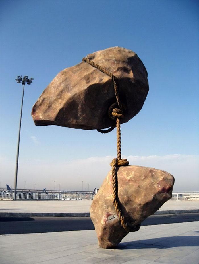 estatuas-lei-da-gravidade_20